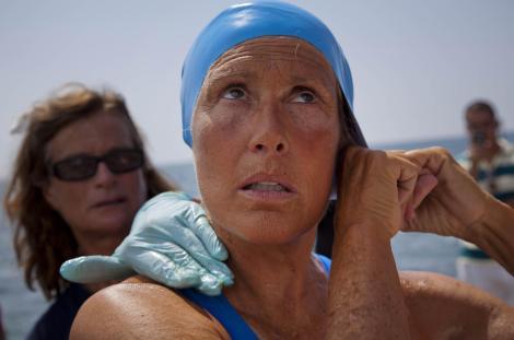 t0820-metro-swimmer