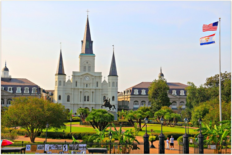 Jackson-Square-Flags-Flying-in-New-Orleans-2
